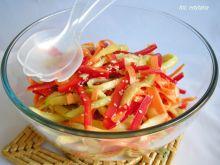 Sałatka z fasolki szparagowej z prażonym sezamem