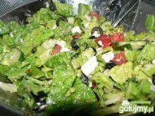Sałatka z fetą i oliwkami 5