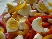 Sałatka z fetą i pysznym sosem