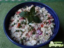 Sałatka z filetów z makreli w oleju