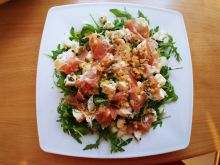 Sałatka z gorgonzolą i szynką parmeńską
