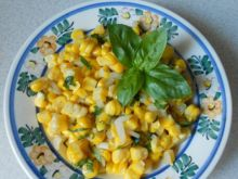 Sałatka z gotowanej kukurydzy cukrowej