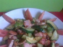 sałatka z grillowanej cukini, polędwicy