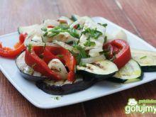 Sałatka z grillowanych warzyw z fetą