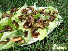 Sałatka z grillowanymi pieczarkami