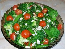 Sałatka z groszkiem i brokułem