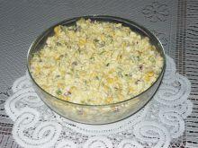 Sałatka z jajkiem i serem