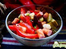 Sałatka z kabanosa i fasoli czerwonej