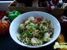 Sałatka z kalafiora i kiełków brokuła