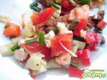 Sałatka z kalafiorem i łososiem