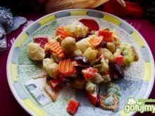 Sałatka z kalafiorem i pieczarkami