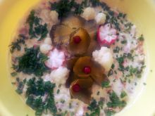 Sałatka z kalafiorem i żywiecką z majonezem
