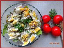 Sałatka z kalarepką i jajkiem