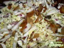 Sałatka z kapusty pekińskiej i grzybów