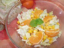 Sałatka z kapusty pekińskiej i mandarynek