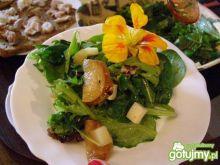 Sałatka z karmelizowaną gruszką