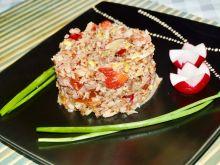 Sałatka z kaszy gryczanej makreli i warzyw