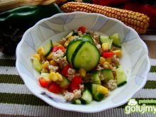 Sałatka z kaszy i warzyw z oliwą