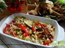 Sałatka z kaszy jaglanej i grillowanego