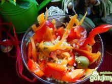Sałatka z kaszy jaglanej i oliwek