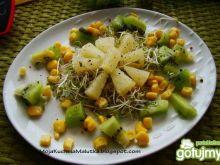 Sałatka z kiwi i ananasem