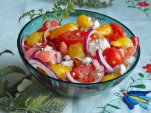 Sałatka z kolorowych pomidorków koktajlowych