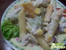 sałatka z kolorowym makaronem 2