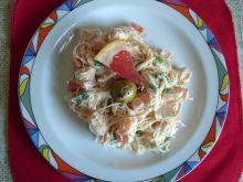 Sałatka z kurczaka z makaronem ryżowym