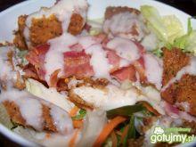 Sałatka z kurczakiem i bekonem