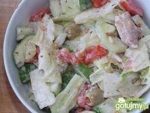 Sałatka z kurczakiem i oliwkami 2