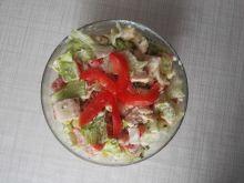 Sałatka z kurczakiem i serem pleśniowym