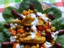 Sałatka z kurczakiem na szpinaku