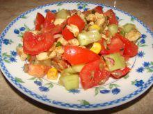 Sałatka z kurczakiem, pomidorkiem i słonecznikiem