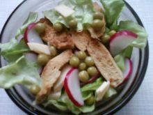 Sałatka z kurczakiem,serem i  groszkiem