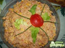 Sałatka z kurczakiem wędzonym i ryżem...