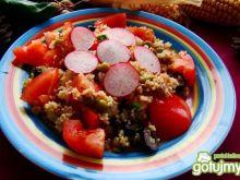 Sałatka z kuskusa rzodkiewki i tuńczyka