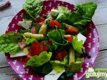 Sałatka z liśćmi buraka i fetą