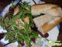 Sałatka z łososiem w cytrynowym sosie