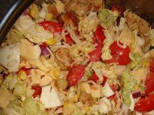 Sałatka z makaronem chińskim i papryką