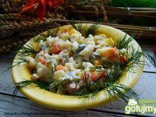 Sałatka z makaronu i warzyw