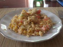 Sałatka z makaronu z zupki chińskiej