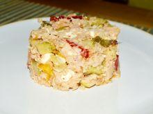 Sałatka z makreli, kaszy owsianej i fety