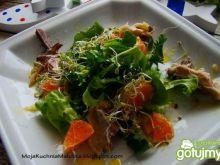 Sałatka z makreli wędzonej z dodatkiem p