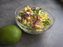Sałatka z mango, fetą i ziarnami słonecznika