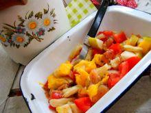Sałatka z mango i wędzonego łososia