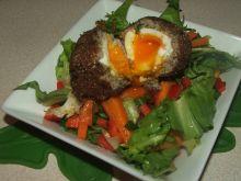 Sałatka z marchewką i jaskółczym gniazdem