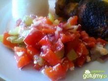 Sałatka z marynowaną papryką i fetą