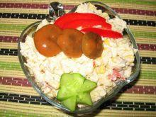 Sałatka z marynowanymi rydzami i kuskuse