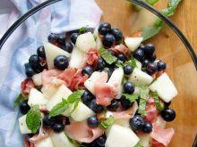 Sałatka z melona i szynki szwarcwaldzkiej