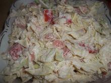 Sałatka z młodej kapusty i makaronu